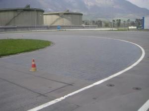 Plattenbelag SKID-PAN Automobilteststrecke 1